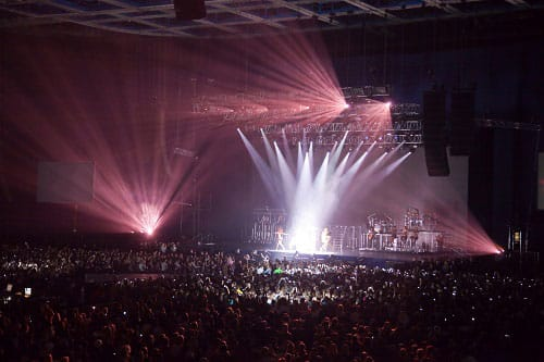 Indoor concerts with impressive lighting